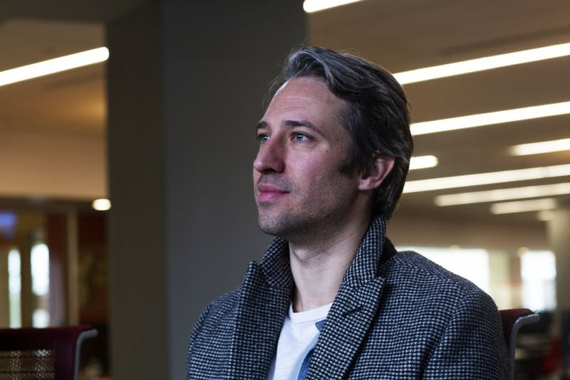 """Ball State alumnus Travis Abels speaks about his creative works Jan. 17, 2019, in the L.A Pittenger Student Center Ballroom. Throughout his career, Abels has worked on trailers for films such as """"A Star is Born"""" and """"La La Land."""" Scott Fleener,DN."""