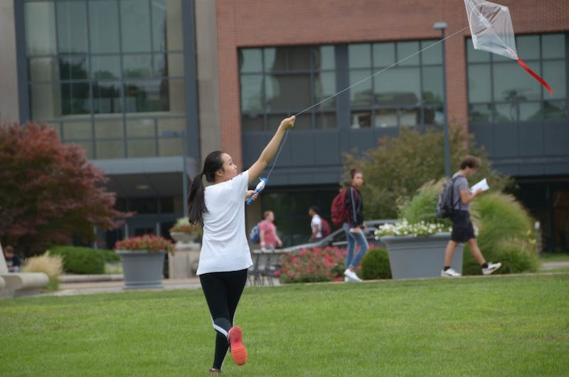 """Landscape architecture students 'string together' hand-made kites in first-ever """"We Fly! Kites!"""""""