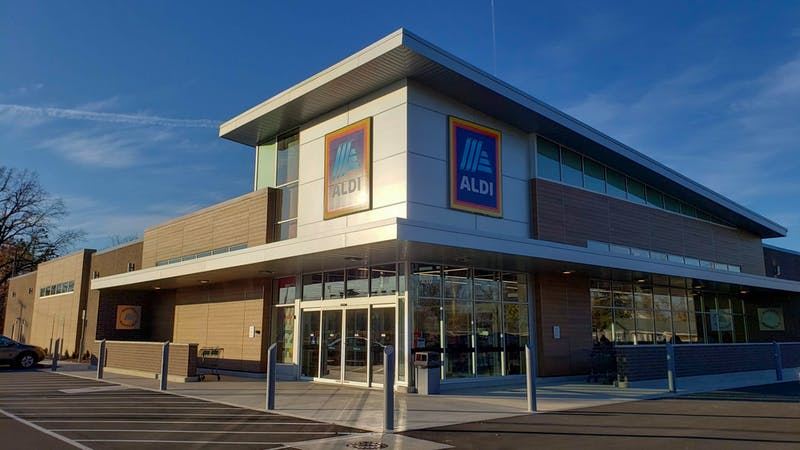 ALDI's new location on 210 W. McGalliard Rd. offers shoppers a same-day grocery pickup and delivery service, Instacart. ALDI Director of Operations Greg Kline said features such as these will improve ALDI's appeal to college age students. John Lynch, DN