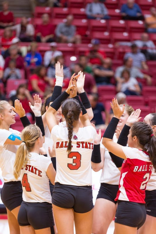 Ball State women's volleyball begins MAC play with win