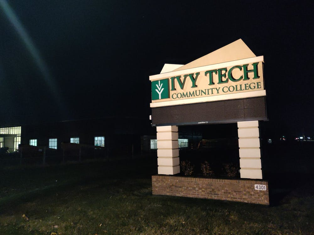 <p>A sign directs toward Ivy Tech Community College's Cowan Road location Dec. 10, 2019. Ivy Tech gifted Muncie Community Schools its South Instructional Building location on Cowan Road. <strong>Rohith Rao, DN</strong></p>