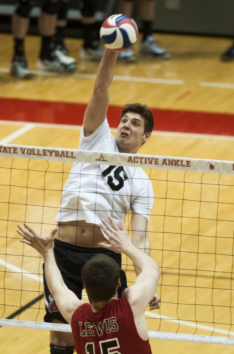 Stanford sweeps Ball State men's volleyball in season opener