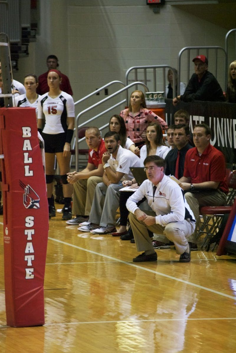 WOMEN'S VOLLEYBALL: Shondell notches 100th career win
