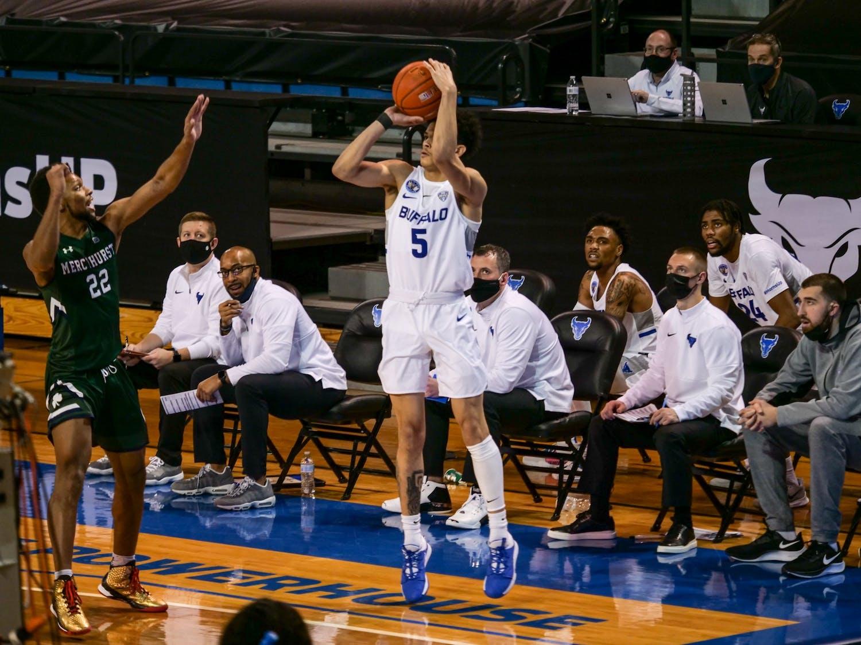 Men's basketball sophomore guard Savion Gallion has entered the transfer portal, according to Verbal Commits.