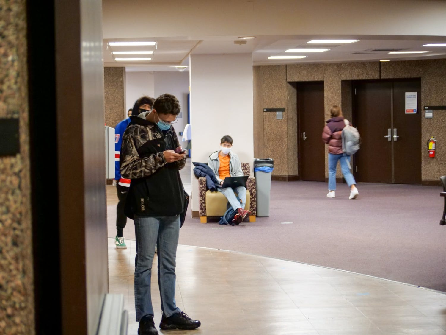 More than 125 students have signed a petition calling for periodic reading days during the spring semester.