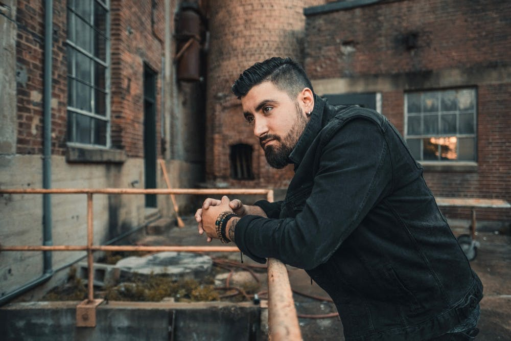 <p>Country singer Eric Van Houten grew up in Buffalo with no initial plan to move to Nashville.</p>