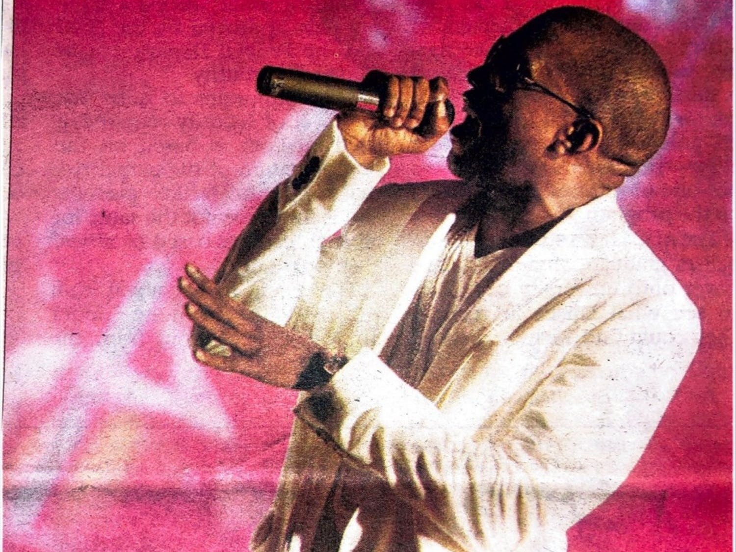 Kanye West performs at Fall Fest 2005.