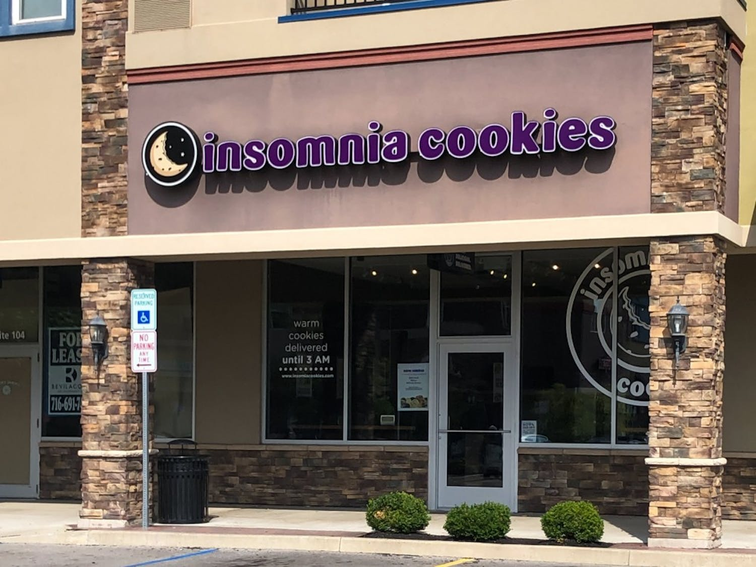 Insomnia Cookies has opened a new location across from North Campus in the University Place Plaza on Sweet Home Road, and students can't get enough.