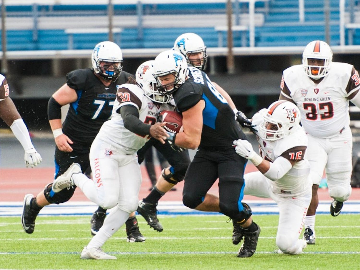 The football team (2-3, 0-1 Mid-American Conference) lost 28-22 to Bowling Green (3-2, 1-0 MAC) Saturday at UB Stadium in what was Buffalo's homecoming game.