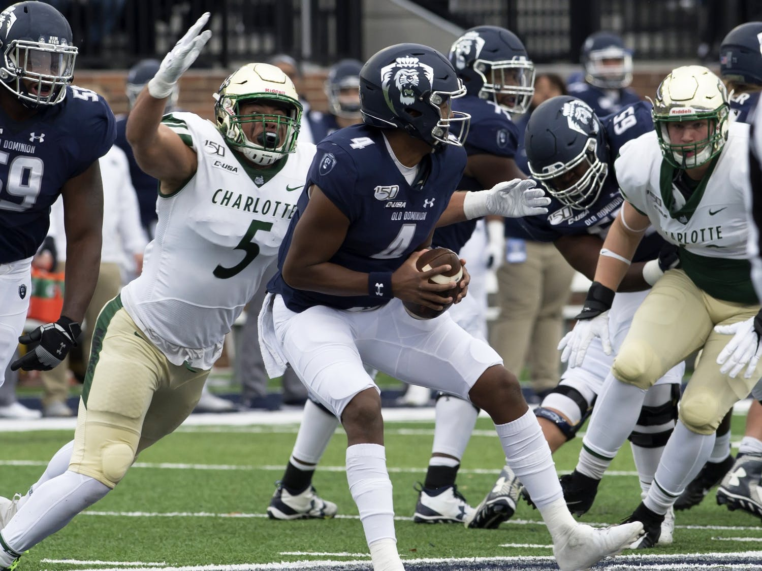 Redshirt senior defensive end Alex Highsmith rushes the quarterback during a 38-22 win over Old Dominion.