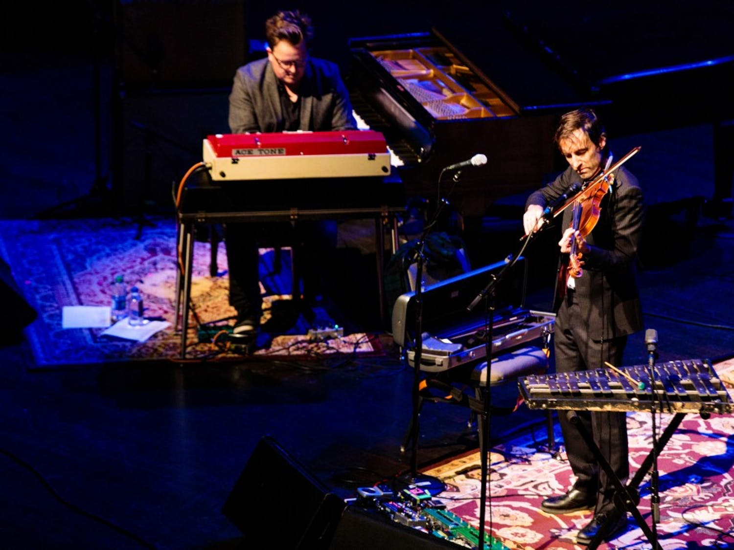 Singer and multi-instrumentalist Andrew Bird took his national tour to the CFA Saturday night. Bird demonstrated his eclectic musical ability through a survey of his discography.