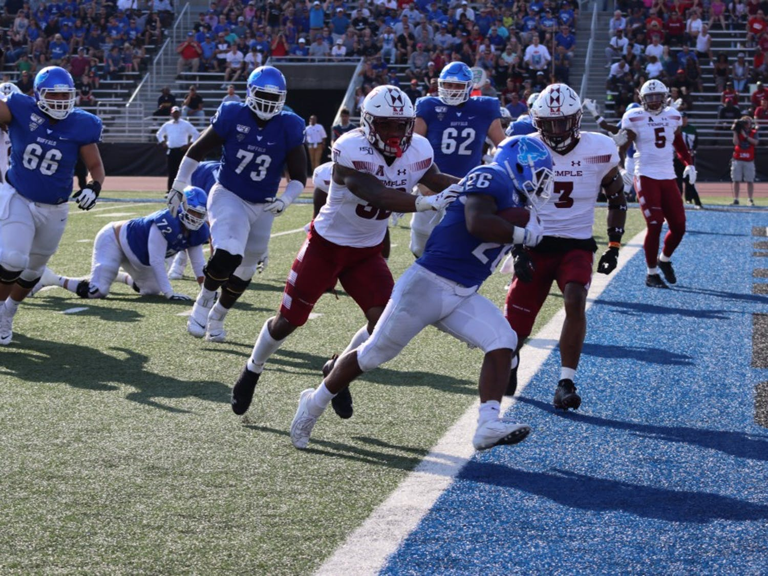 Running back Jaret Patterson scores his first of two rushing touchdowns on the day against the Temple Owls.