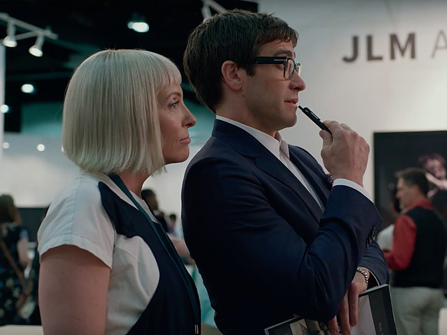 "Paintings and artwork blend with the supernatural and horrific, but fail to do so successfully in ""Velvet Buzzsaw""."