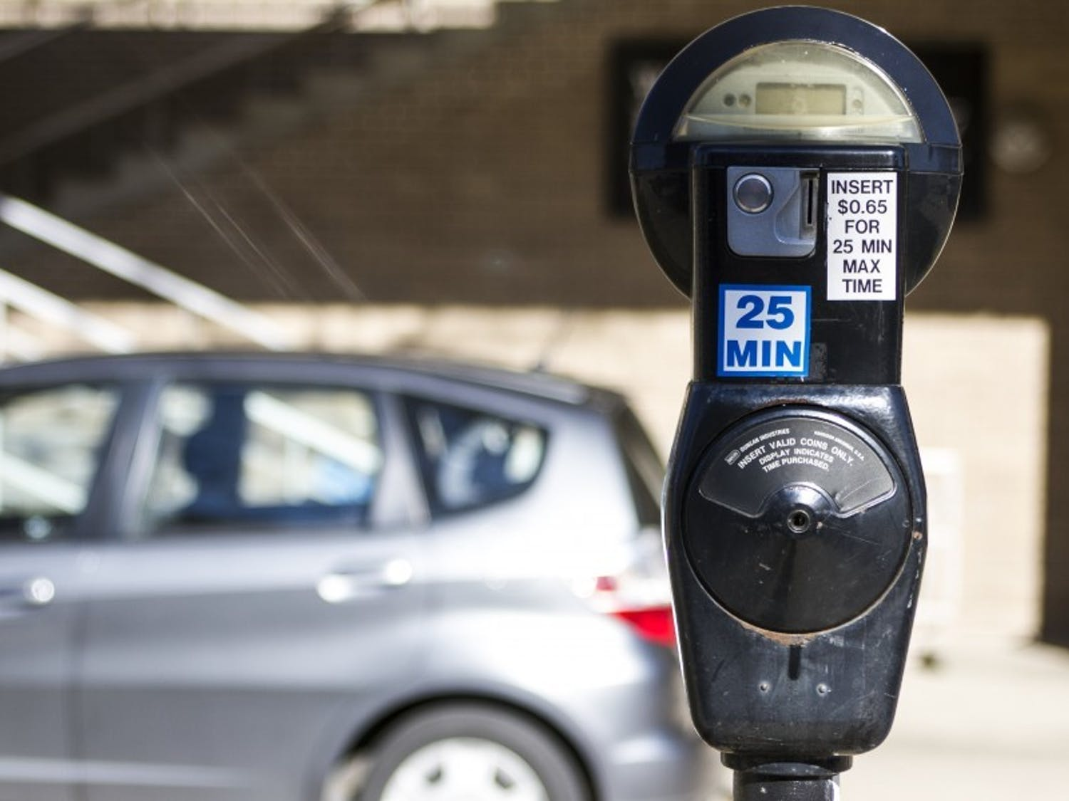 Photo of a parking pay meter.