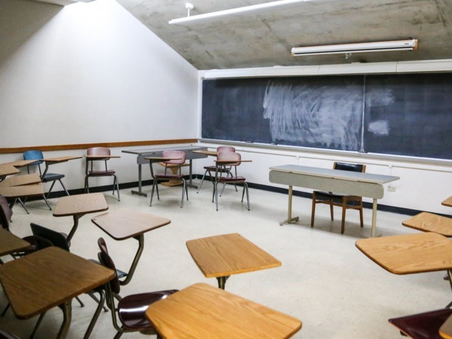 Photo of a classroom.