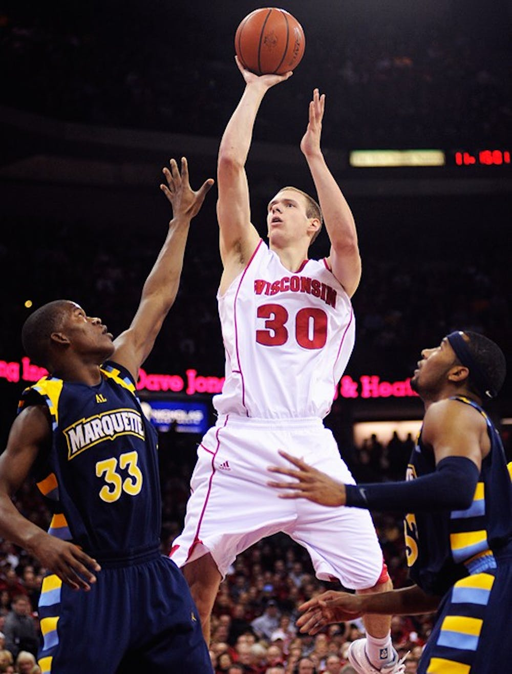UW bounces back with win over rival Marquette