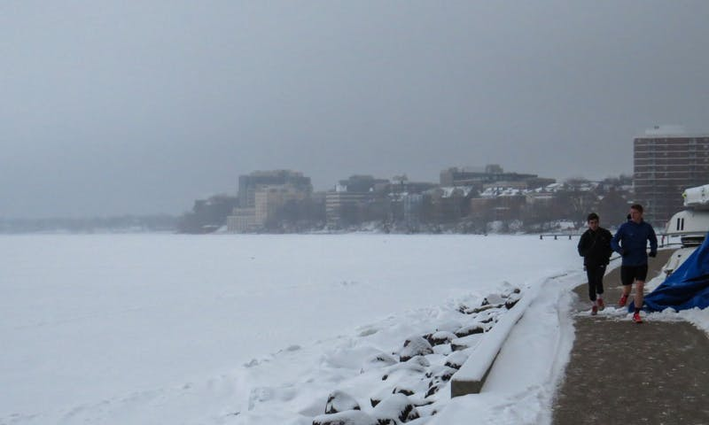 Winter Comes Early To Madison Thursday >> Madison Malls Parks Latest To Feel Effects Of Winter Storm The