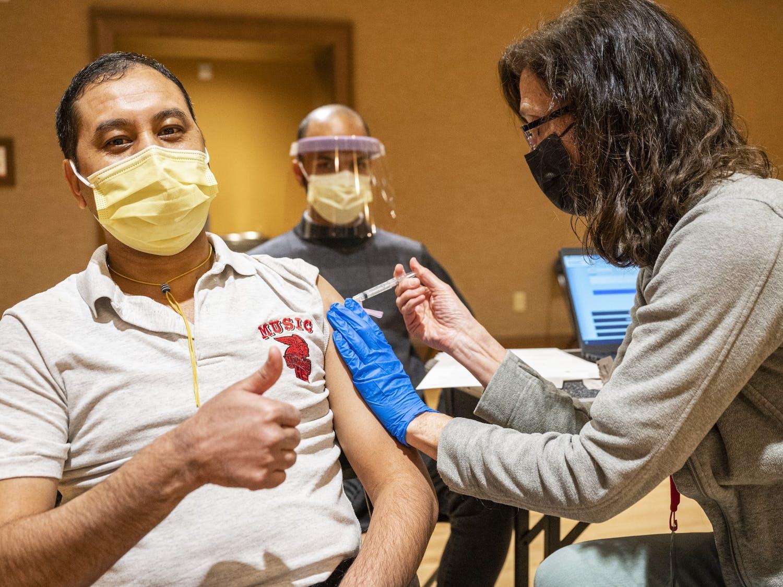 Vaccine_clinic_campus21_3724