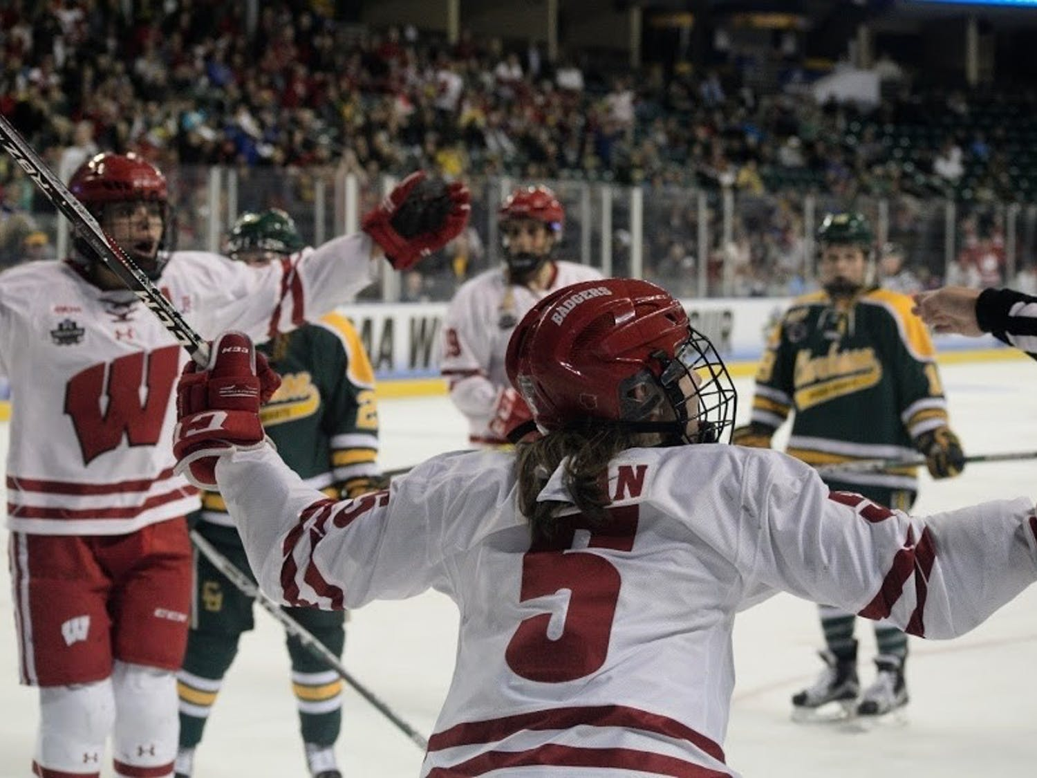 Wisconsin played a close game against Syracuse on Friday, but responded with a five goal outburst the next day.