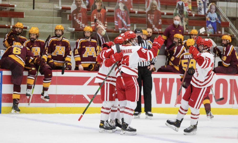 Sports_Hockeyvs.Minnesota.png