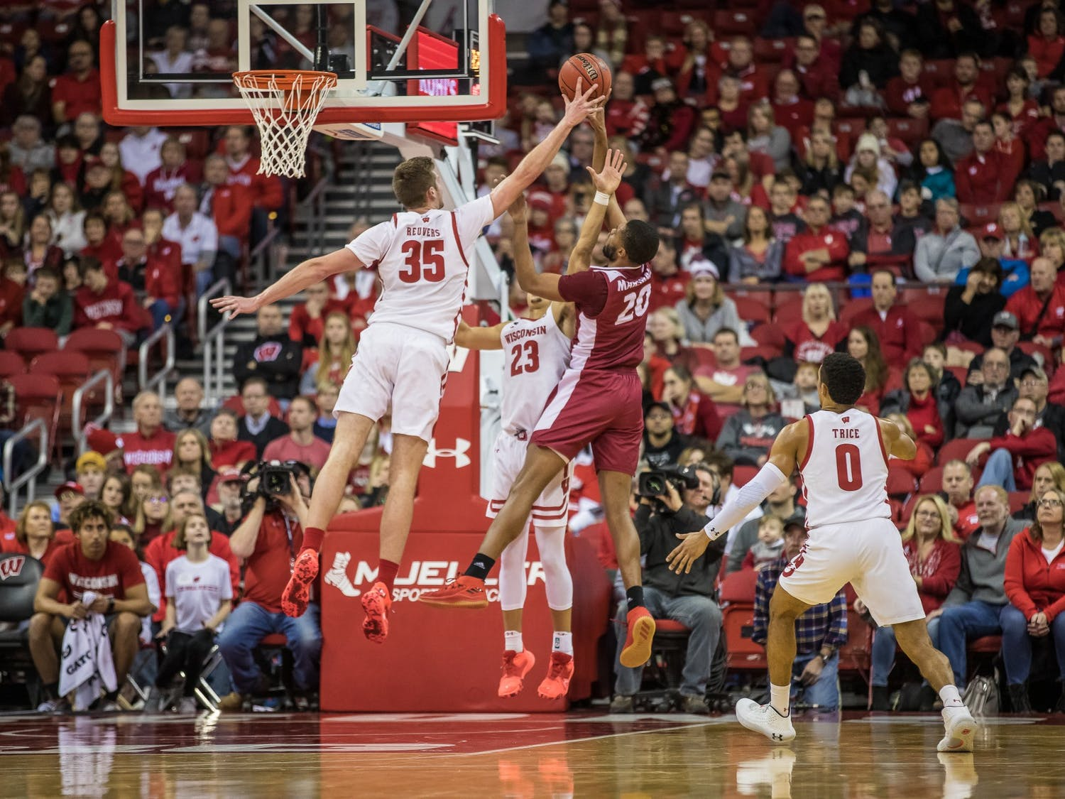 Reuvers now has 156 blocks in his career as a Badger. He passed Frank Kaminsky (153) and Ethan Happ (154) on the night.