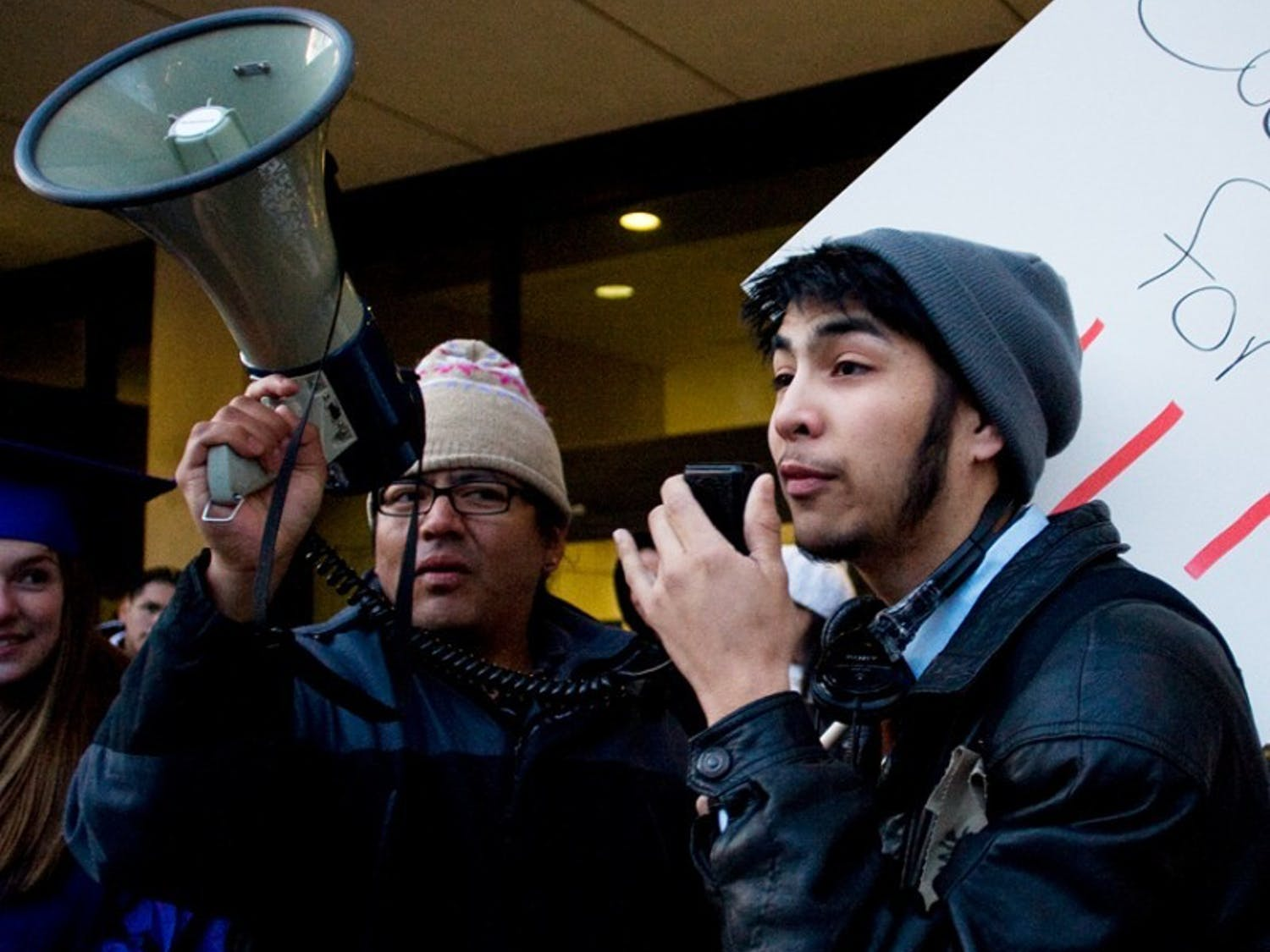 UW students rally for immigration reform
