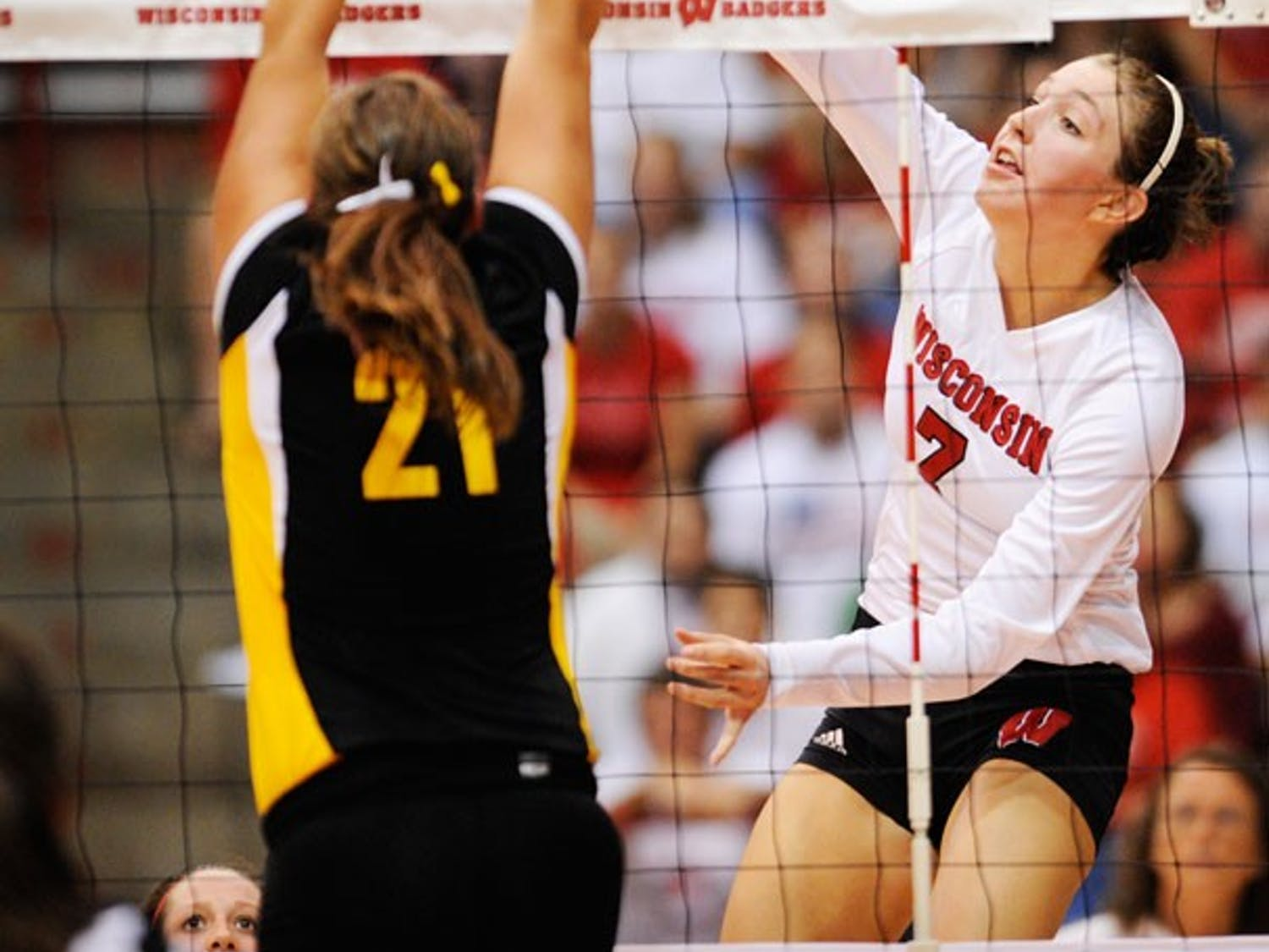 Wisconsin downs Wolverines, falls to Spartans over weekend