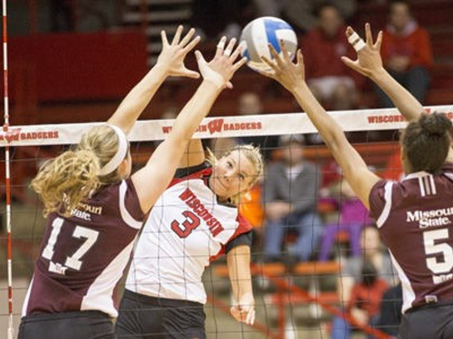It was a strong weekend for the Badgers, taking down three opponents while dropping only one set. The season's big test should come next weekend in Seattle.