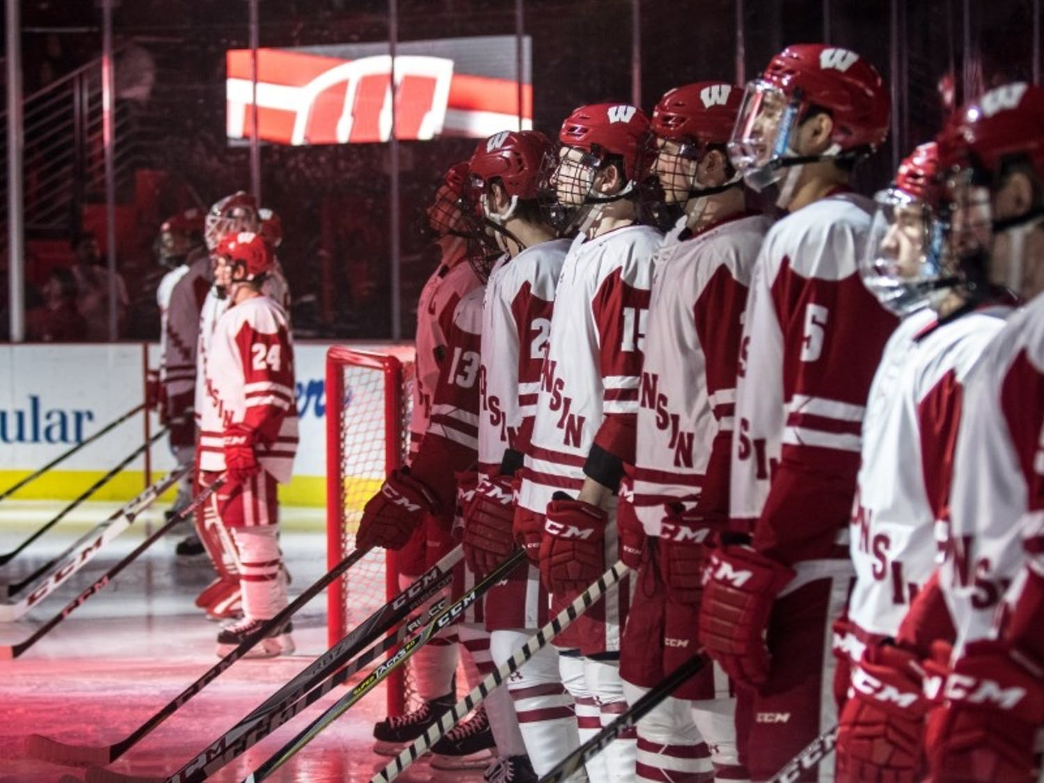 Wisconsin split its opening road weekend of 2018-19 and maintained its offensive output with nine goals in the two games.