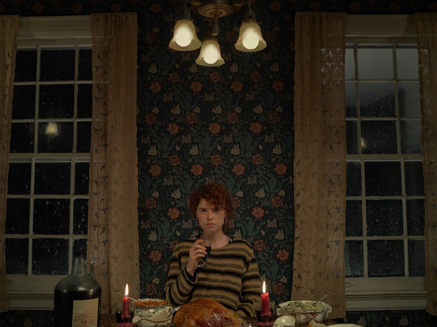 Jessie Buckley, plays the lead in the new Kauffman thriller, alongside Jessie Plemons.