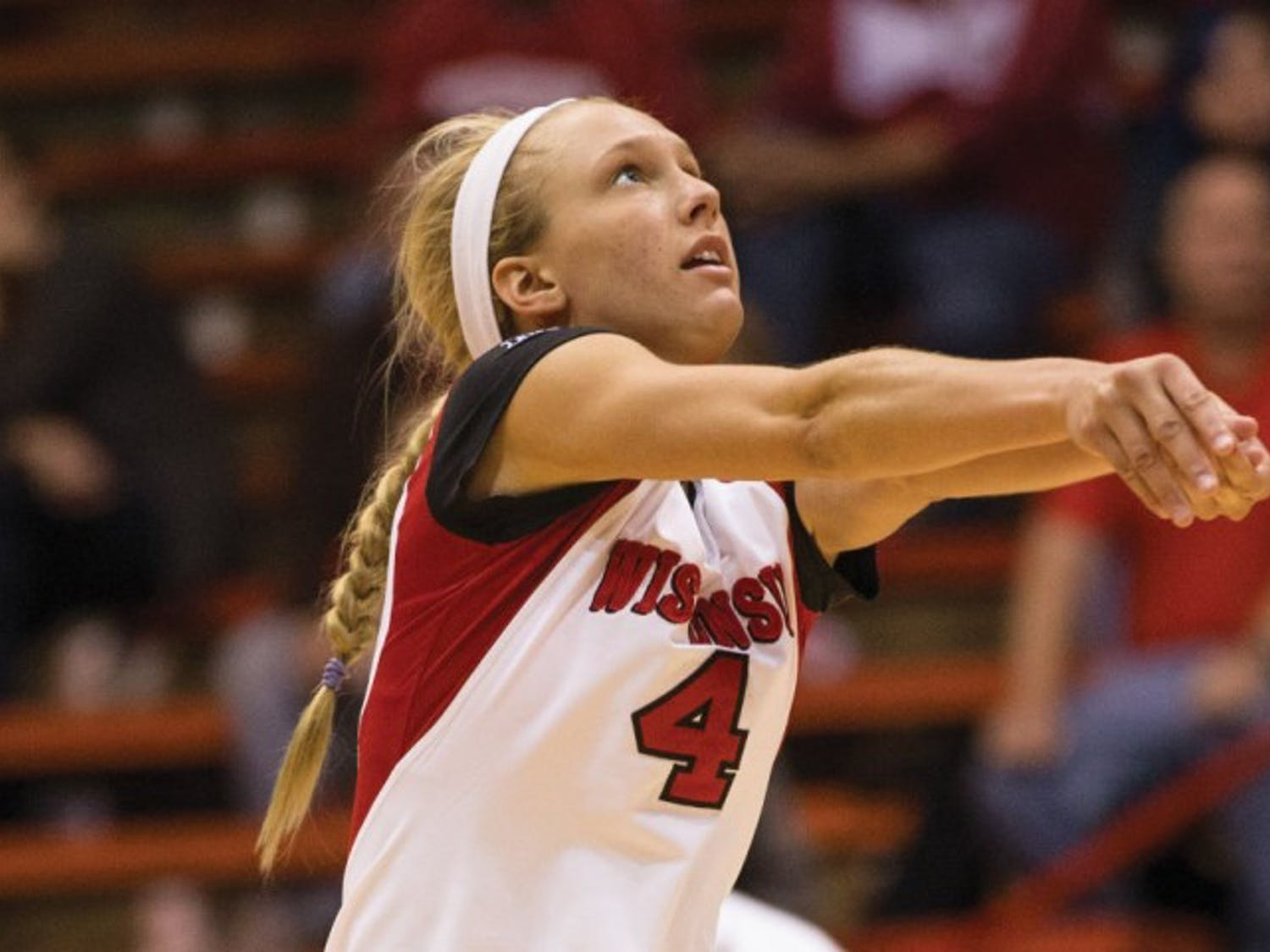 Kelli Bates was pivotal for the Badgers win over the Buckeyes.