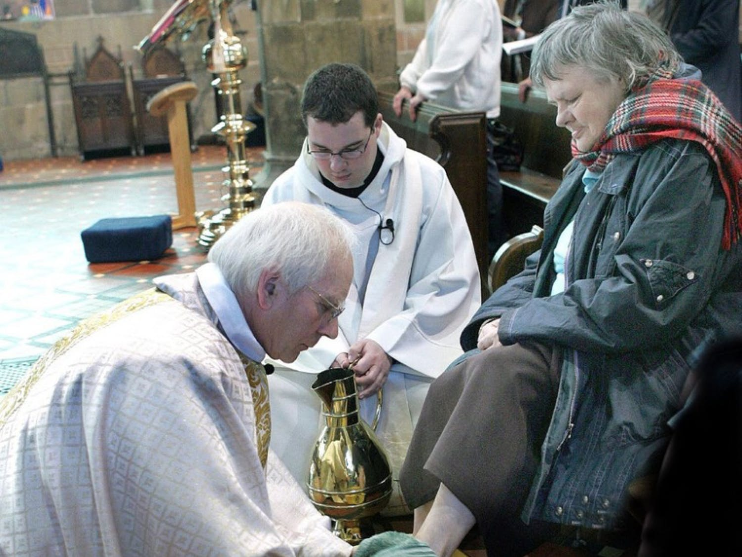 Mrs. Kilgore wasn't pleased with the Pope's foot cleaning efforts.