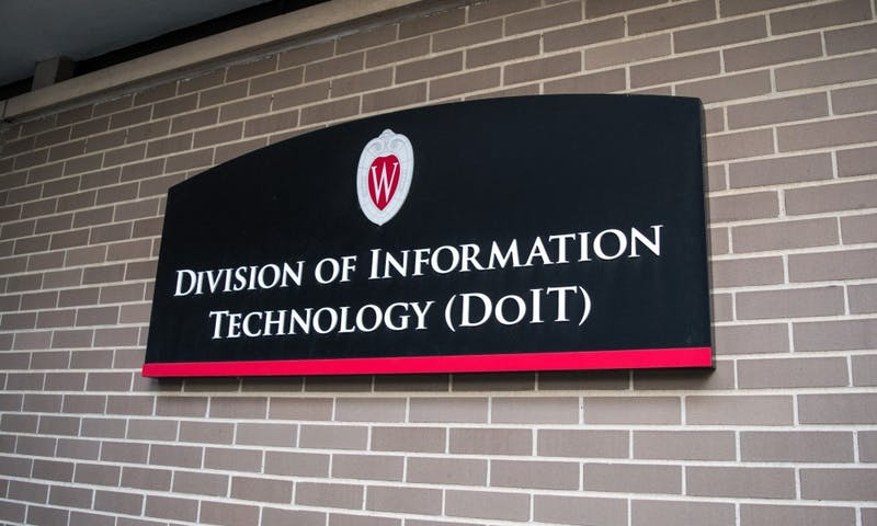 UW-Madison is closing DoIT technology stores to adopt new business model