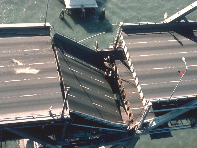 bridge collapse.jpg