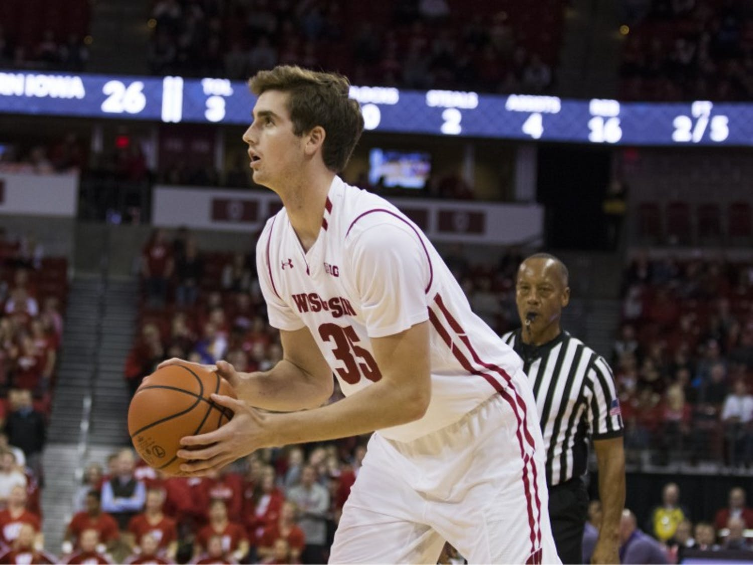 Nate Reuvers scored a team-high 15 points to lead the Badgers in an upset win over Michigan State.