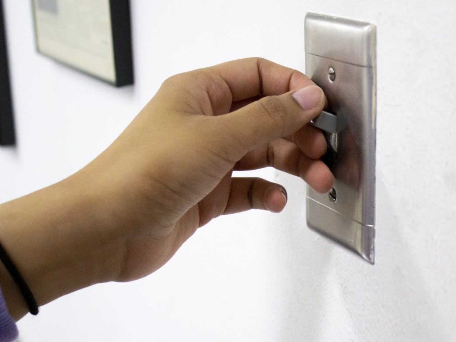 UW-Madison researchers find that something as simple as turning off a light could save a life in new energy conservation study.