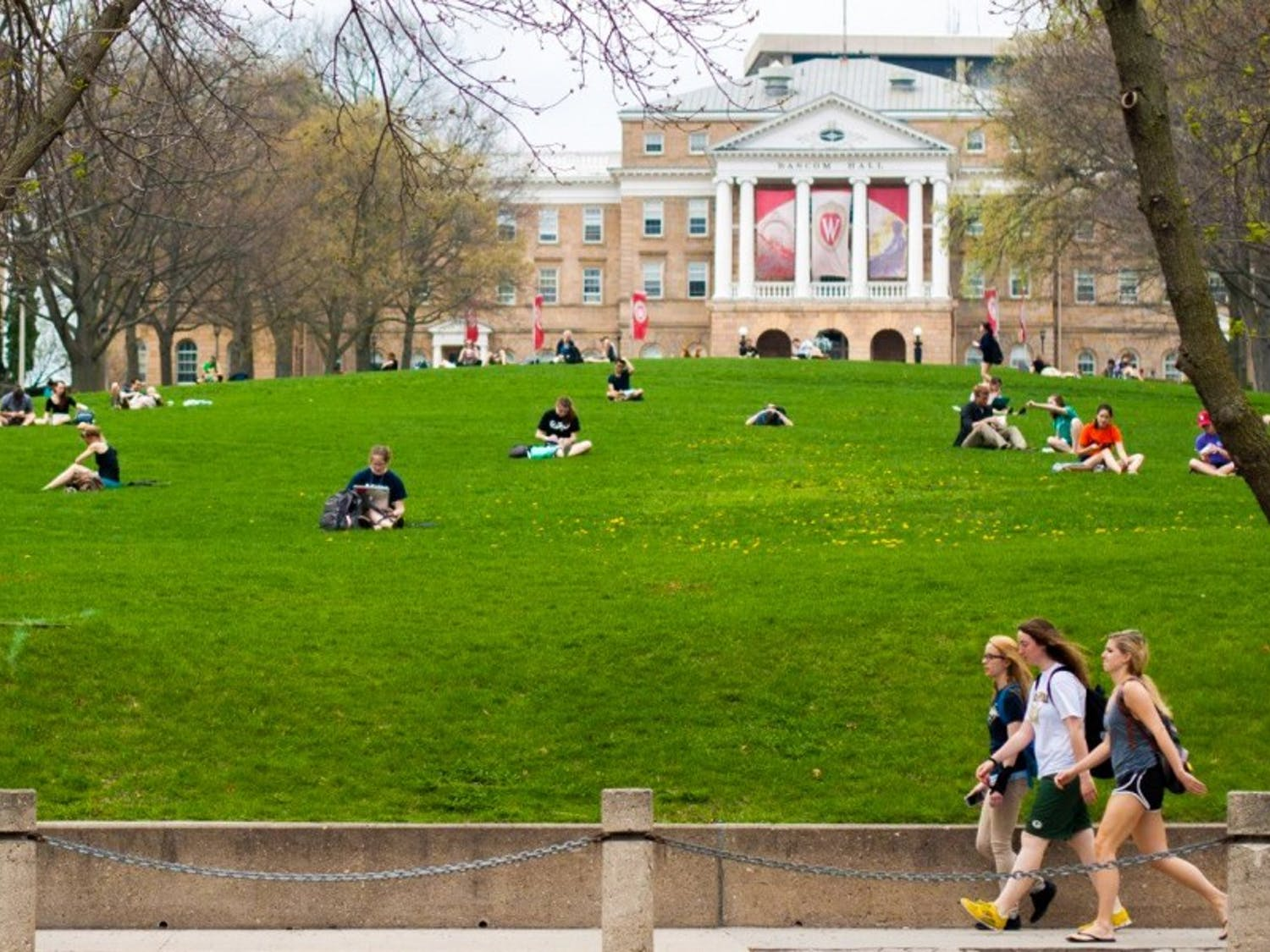 UW-Madison expanded its work policies Tuesday to now cover graduate students who serve as research assistants.