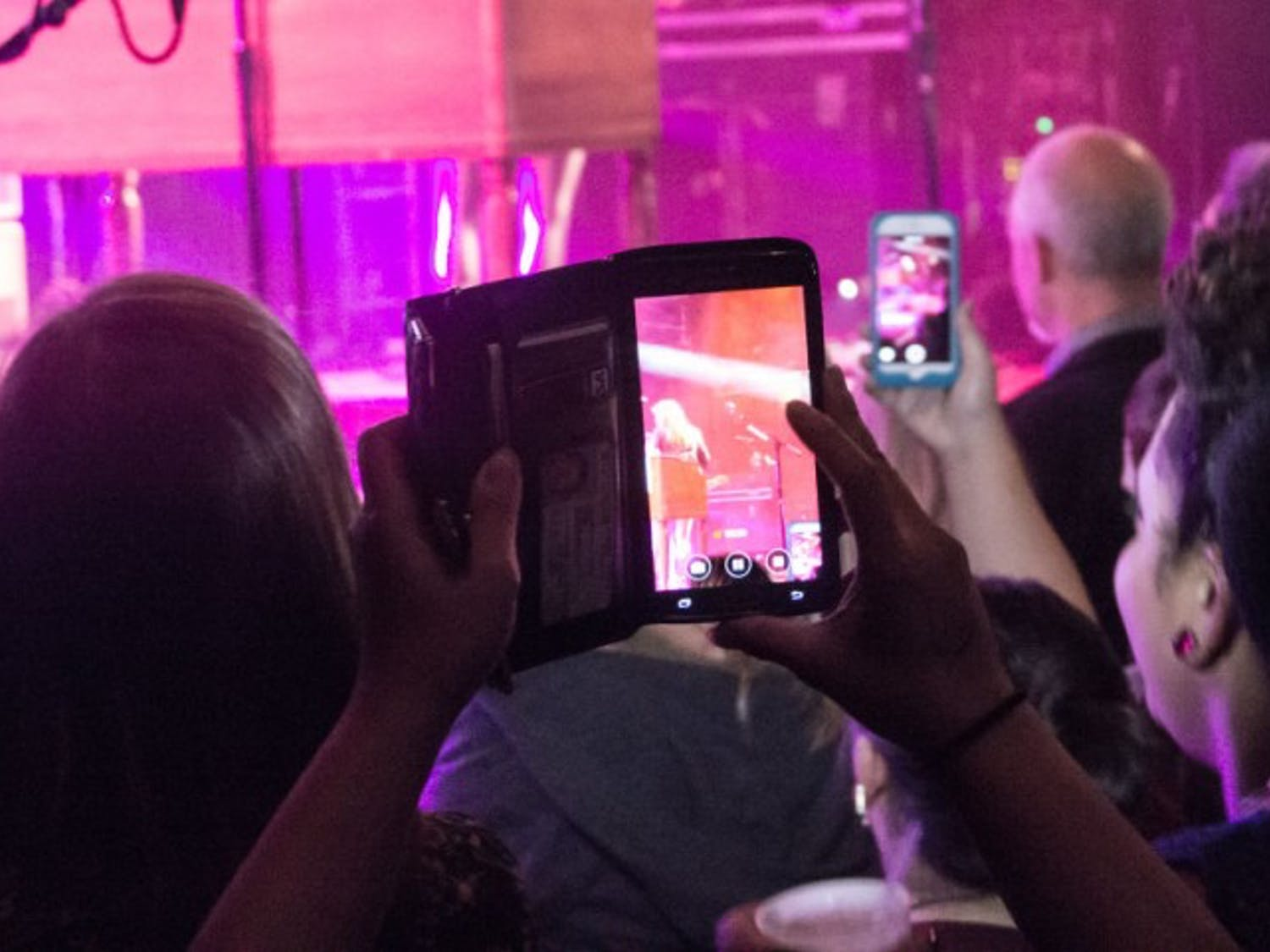 When many concertgoers whip out their phones, it becomes difficult to appreciate the show.