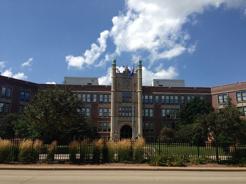 Madison_East_High_School.jpg