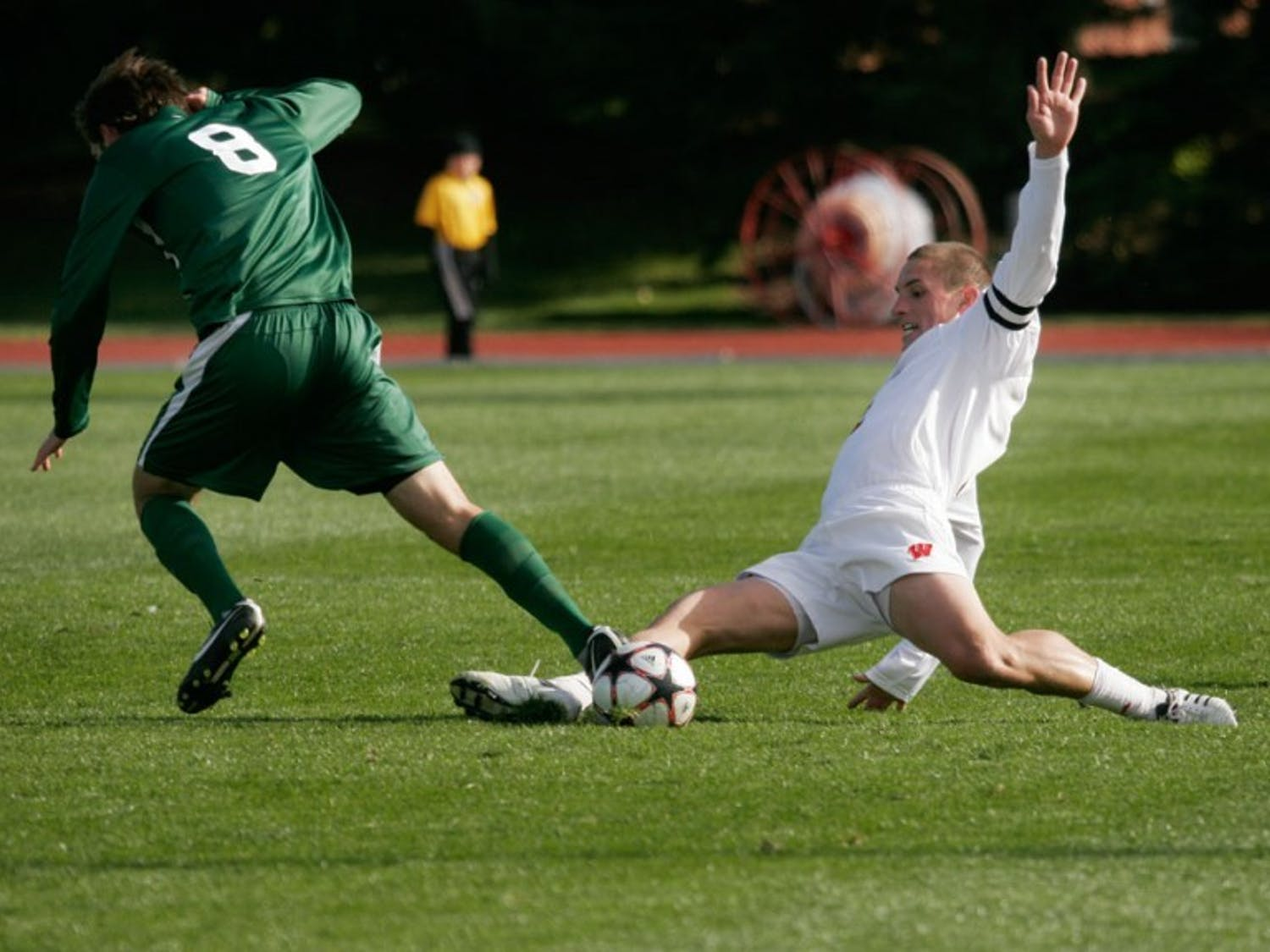 Overtime penalty kick lifts Badgers over Northwestern