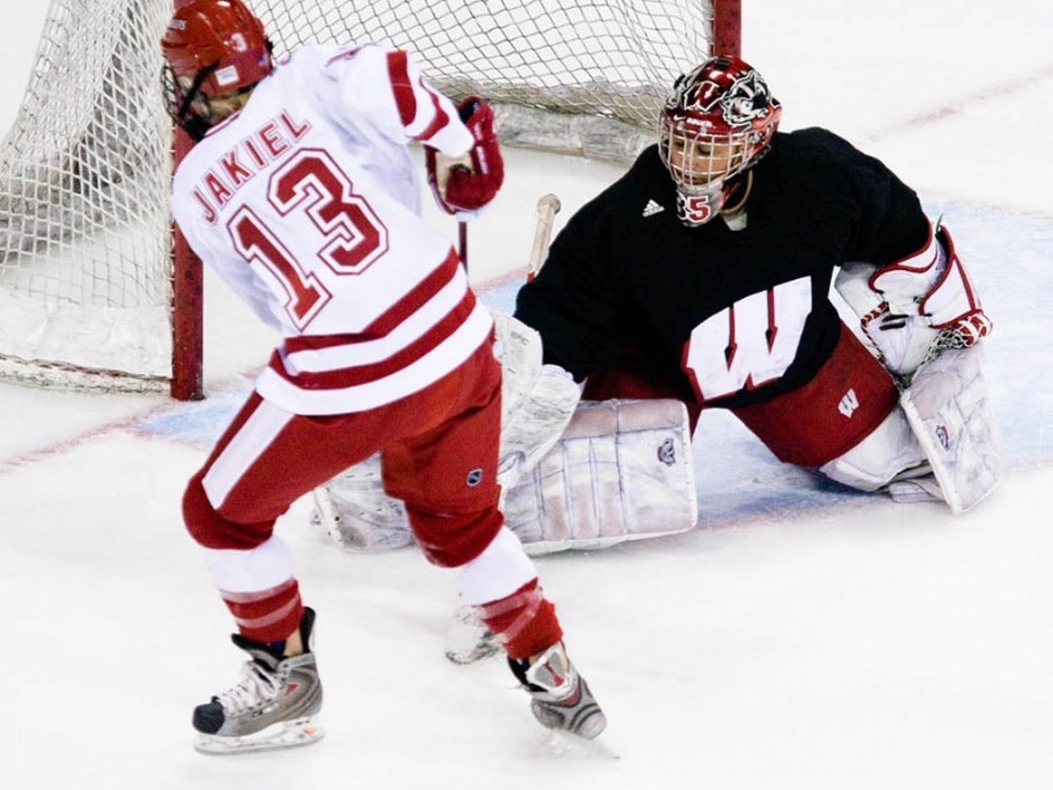 Badgers look to right ship against rival Minnesota