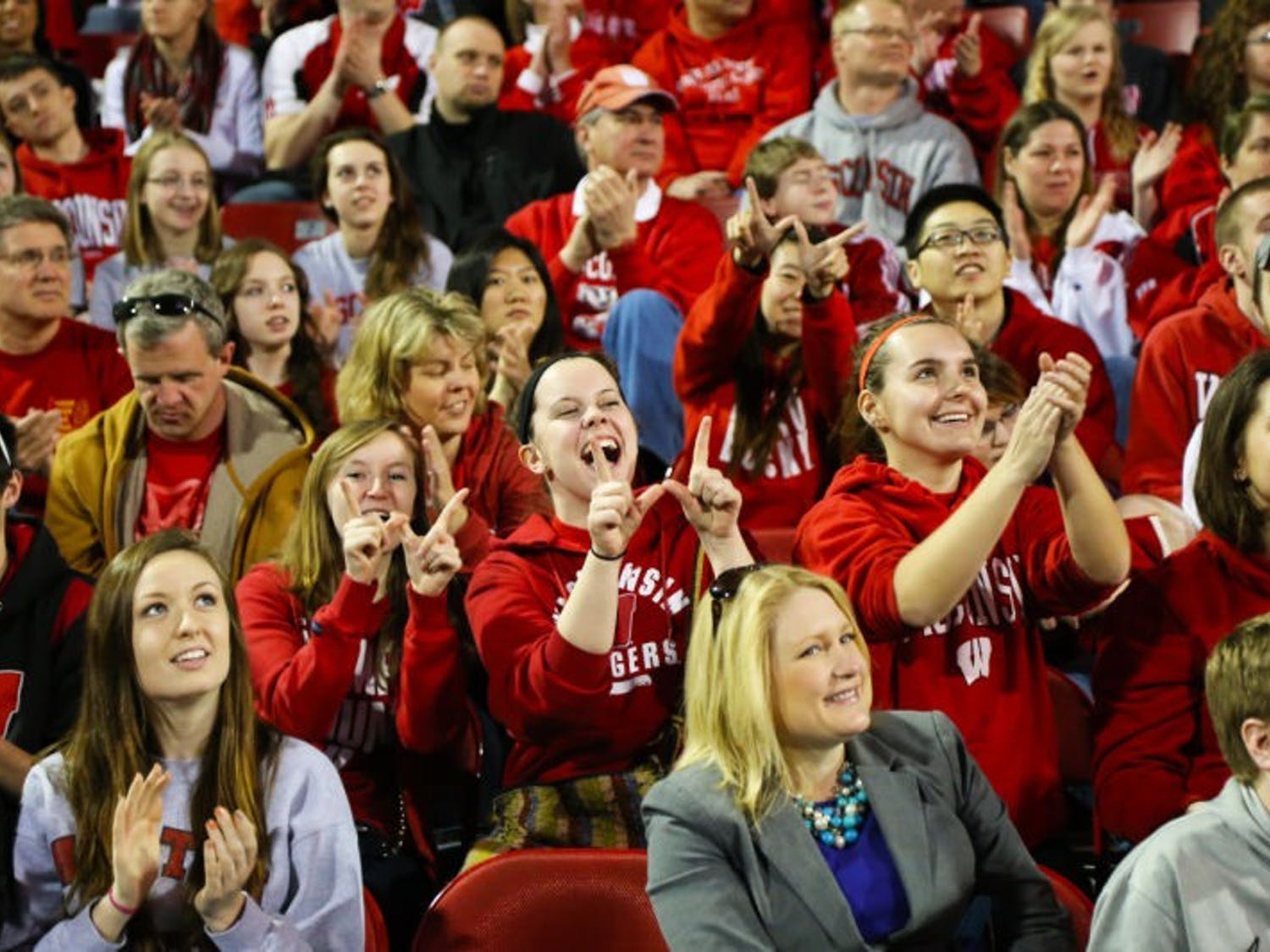 Badger fans gathered at Kohl Center Sunday March 30 to welcome home the men's basketball team after beating ASU in overtime and moving on to the Final Four.