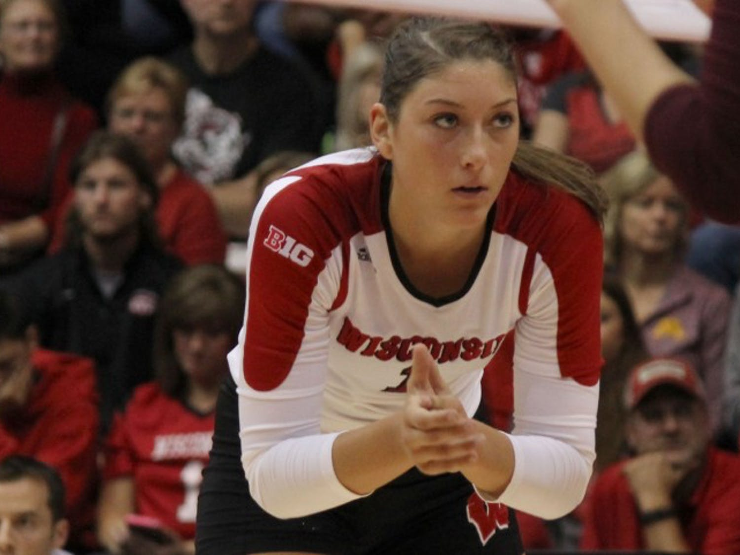 Lauren Carlini leads a powerhouse program into conference play with a stellar 8-1 record.
