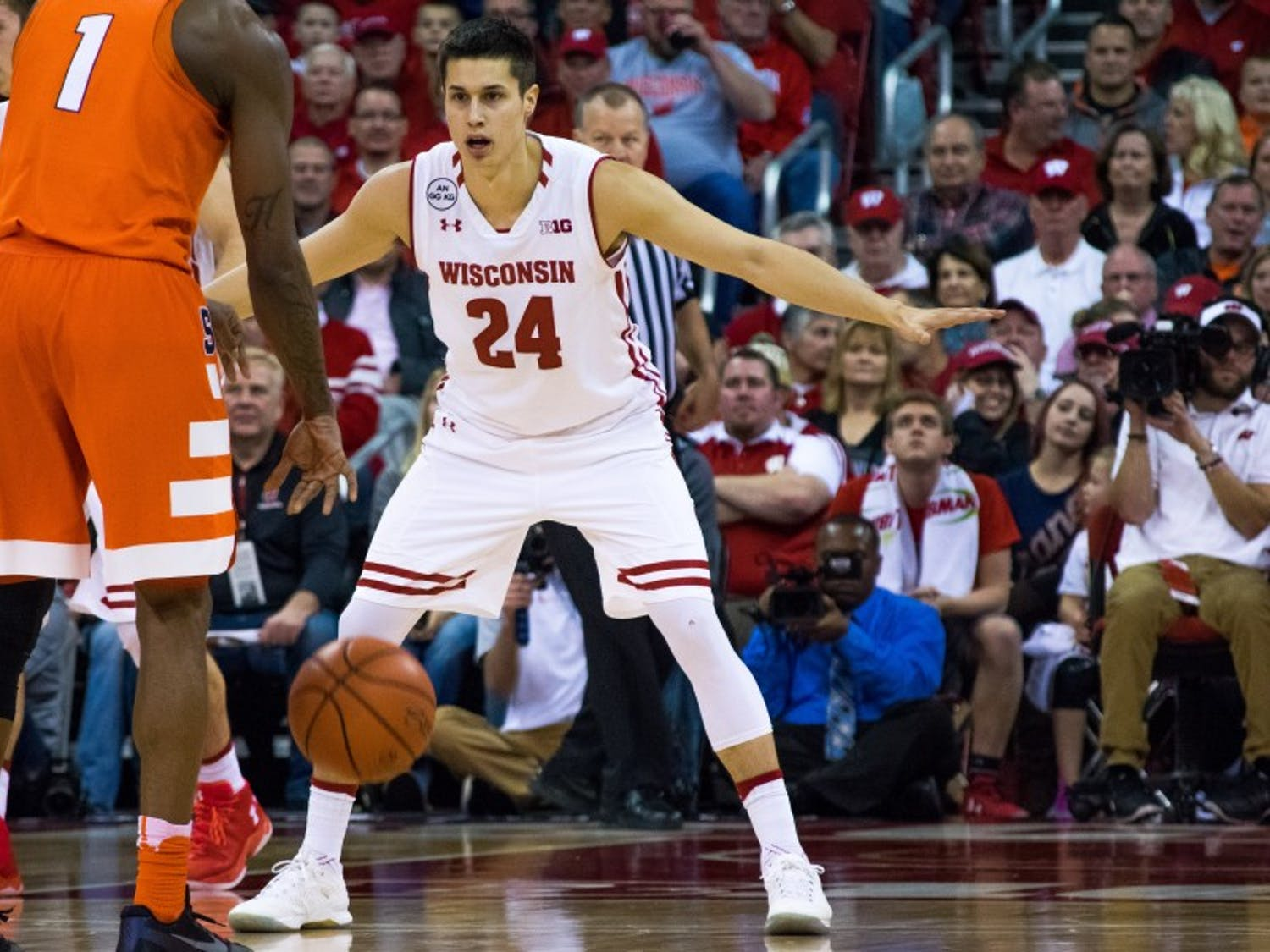 Koenig scored nine points in his return and keyed a Badger run in the second half.