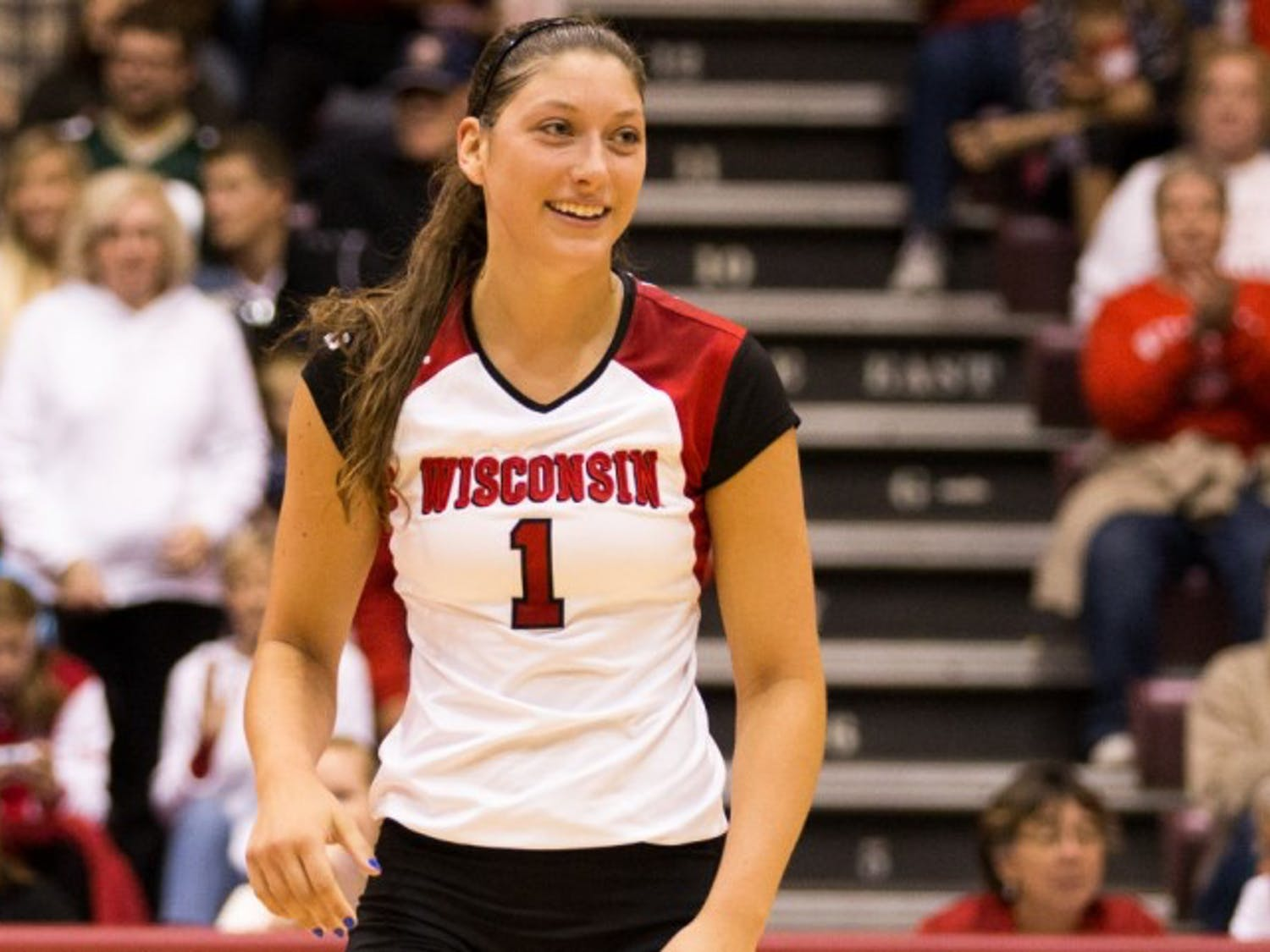 Lauren Carlini dominated yet again to open Big Ten conference play as the Badgers swept both Ohio State and Maryland.