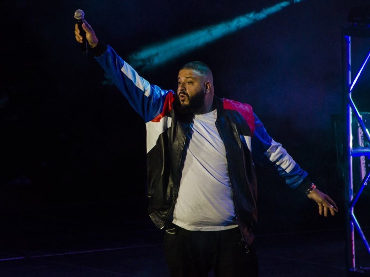 DJ Khaled's performance at the Kohl Center on Monday evening didn't live up to campus expectations.