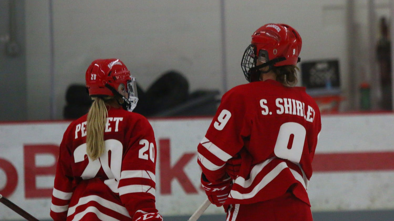 Brette Pettet and Sophie Shirley had three points each as the Badgers beat the Gophers 6-0