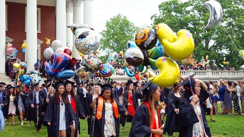 La ceremonia de graduación del 9 al 11 de octubre coincidirá con los Reading Days [días de estudio] del otoño en la Universidad.