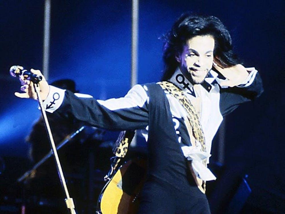 几十年来,有许多著名的公众人物(从王子到David Bowie)都曾用自己的力量影响大众,试图打破服装性别化的束缚——不论他们的性别和性取向。