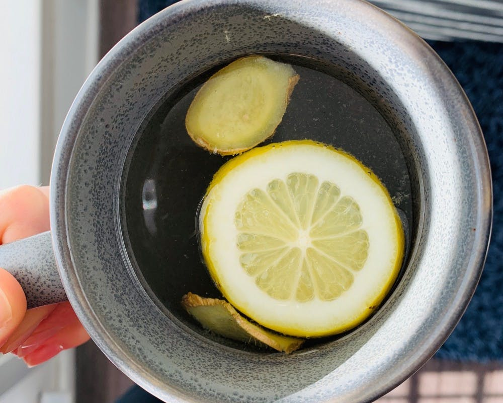 <p>This healthy concoction only consists of four ingredients — apple cider vinegar, ginger, lemon and water, all packing their own nutritional benefits.&nbsp;</p>